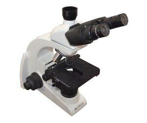 Microscópio Trinocular Correção Infinita